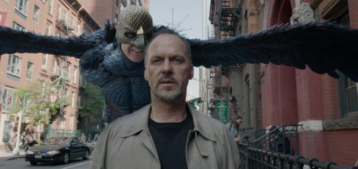 """Die verräterische Stimme des """"Birdman"""" in Riggans Ohr (Copyright: FOX Searchlight Pictures)"""