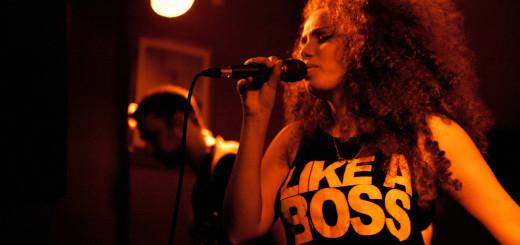 Frontfrau und Sängerin Makeda Michalke (Foto: Janin Tscheschel)