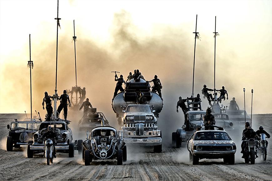 Die archaische Welt von Mad Max: Mit viel Liebe zum Detail gestaltet (Copyright: Warner Bros.)